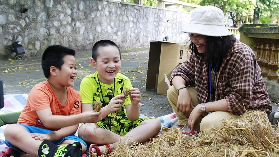 Trẻ em Hà Nội vui đón Tết thiếu nhi ở 'Vương quốc Tái chế'
