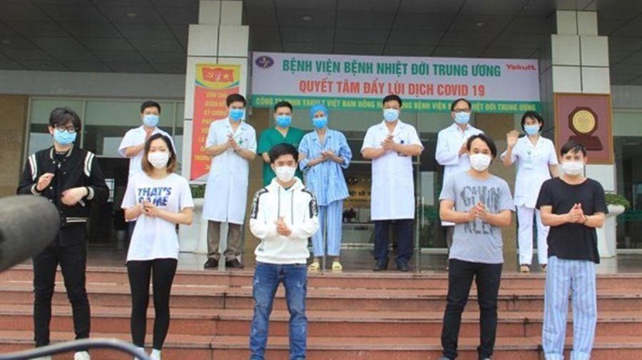 Thêm 4 trường hợp mắc COVID-19 khỏi bệnh, Việt Nam chữa khỏi 297 ca