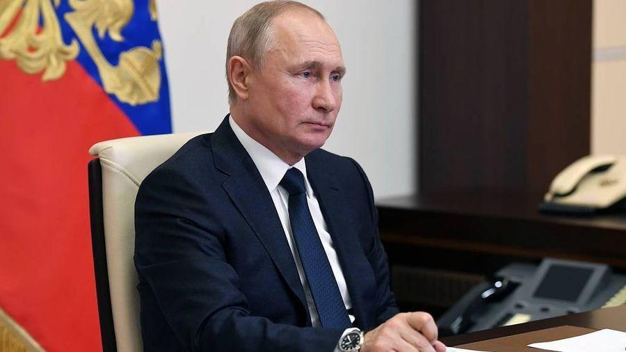 Tổng thống Nga Putin đồng ý tuyên bố tình trạng khẩn cấp quốc gia vì sự cố tràn dầu