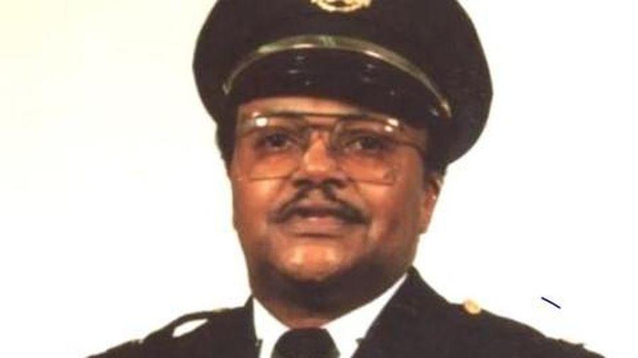 Cựu cảnh sát Mỹ bị bắn chết khi ngăn cướp bóc