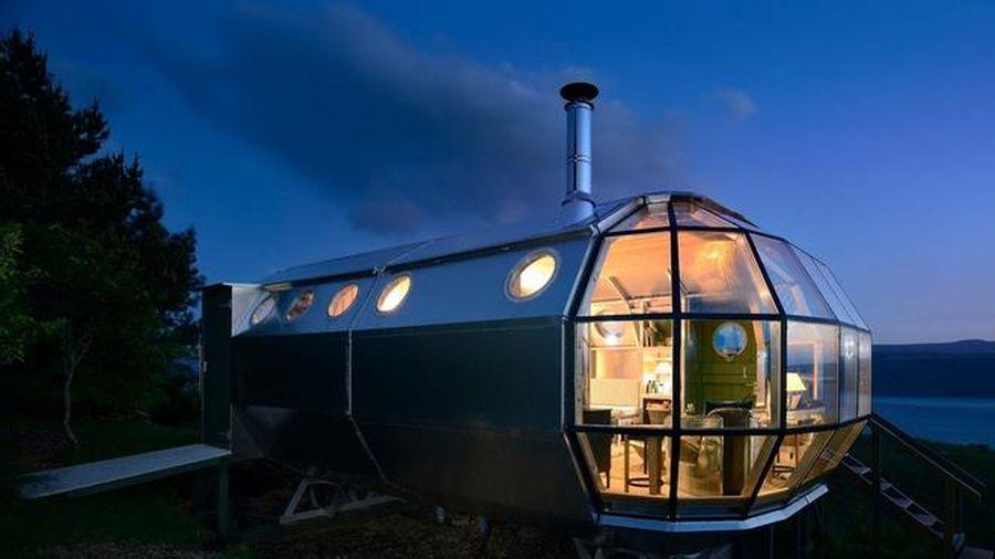 Nhà siêu nhỏ giống tàu vũ trụ giá 125.000 USD