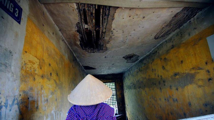 Sống trong sợ hãi ở dãy nhà tập thể mặt phố Lê Hồng Phong