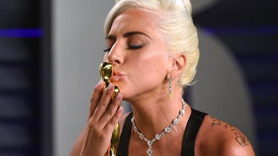Lady Gaga khổ sở vì đeo vòng kim cương 700 tỷ tới Oscar 2019