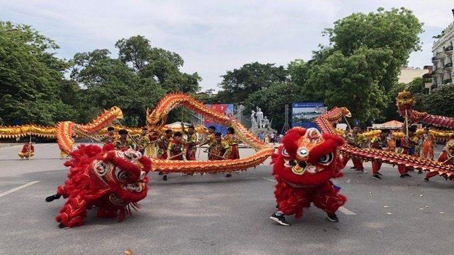 Tổ chức nhiều hoạt động tại phố đi bộ hồ Hoàn Kiếm để quảng bá du lịch