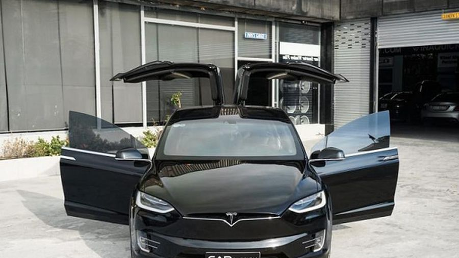 'Soi' Tesla Model X P100D tiền tỷ của dân chơi Đồng Nai