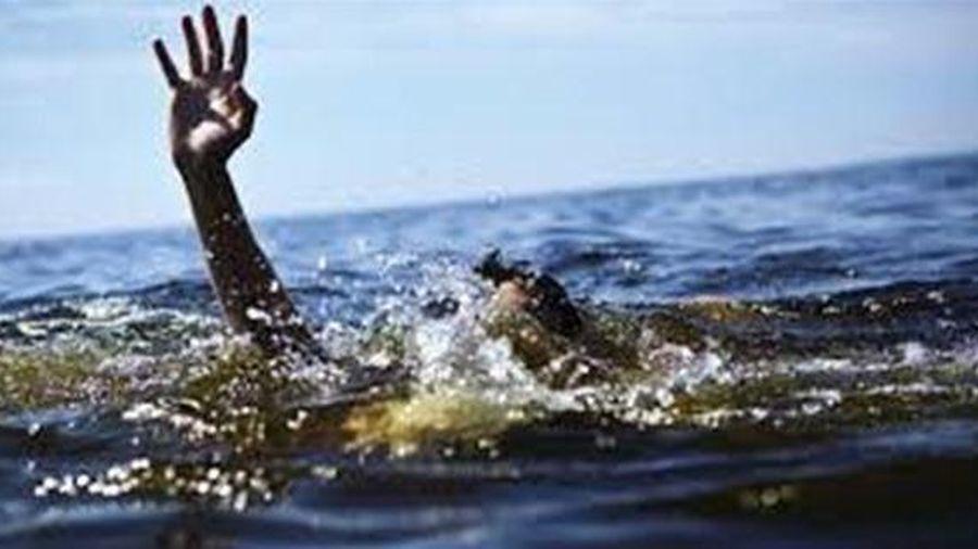 Ninh Thuận: Trốn đi tắm ở ao chống hạn, hai học sinh đuối nước thương tâm