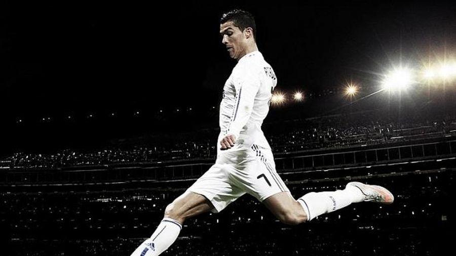 Ronaldo là cầu thủ bóng đá đầu tiên kiếm được 1 tỷ USD