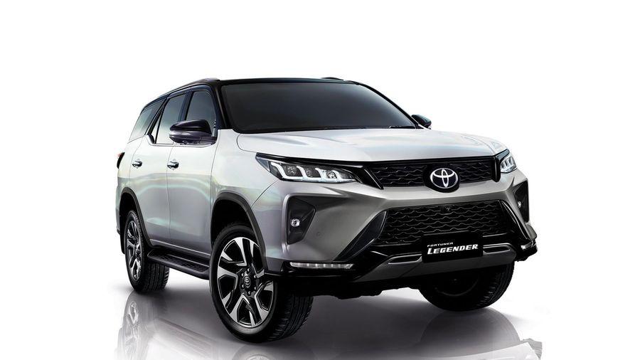 Toyota Fortuner 2021: Nâng cấp mới, diện mạo mới