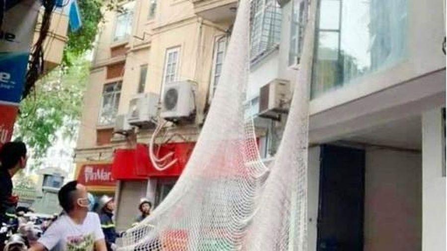 Kẻ dùng búa tấn công nữ chủ quán cà phê ở Bình Thuận xuất hiện tại Hà Nội