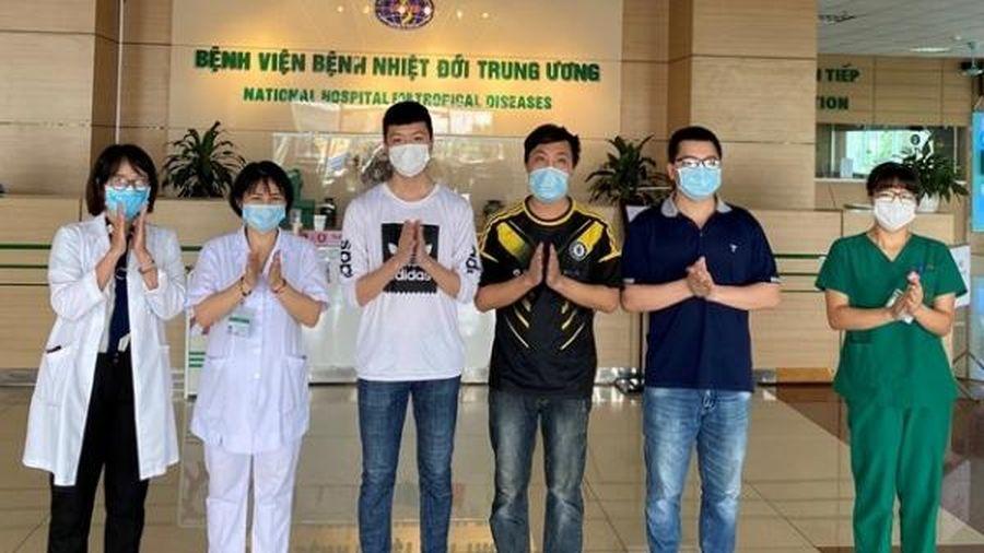 Thêm 5 người từ Nga về nước khỏi bệnh COVID-19, Việt Nam đã chữa khỏi 94% ca bệnh
