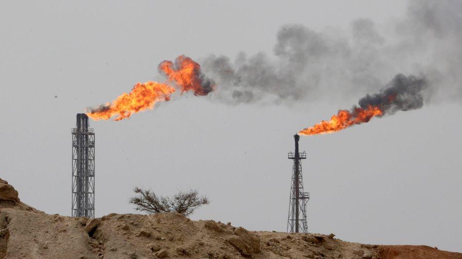 OPEC+ nhất trí gia hạn thỏa thuận cắt giảm sản lượng dầu thêm 1 tháng