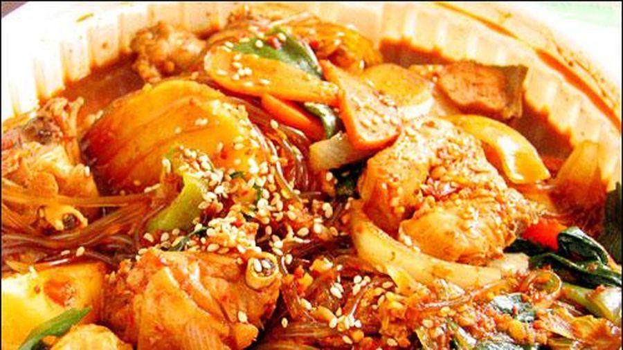 Cách làm gà xào cay đổi vị cho bữa cơm cuối tuần