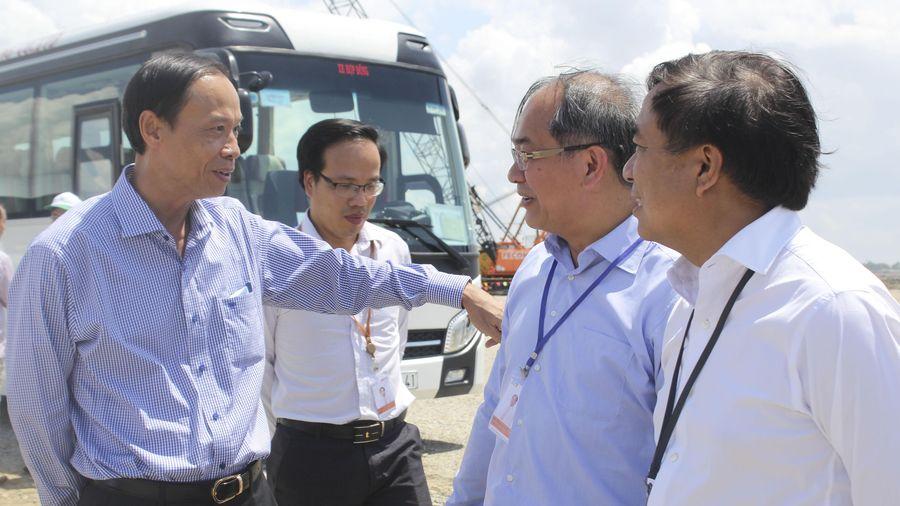 Chủ tịch UBND tỉnh Nguyễn Văn Thọ thị sát dự án Tổ hợp Hóa dầu miền Nam