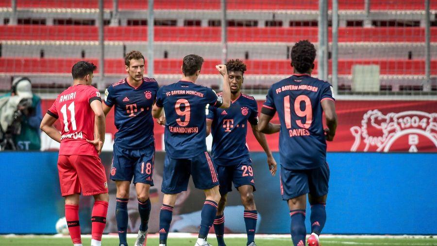 Thắng đậm Leverkusen, Bayern chạm một tay vào chức vô địch Bundesliga