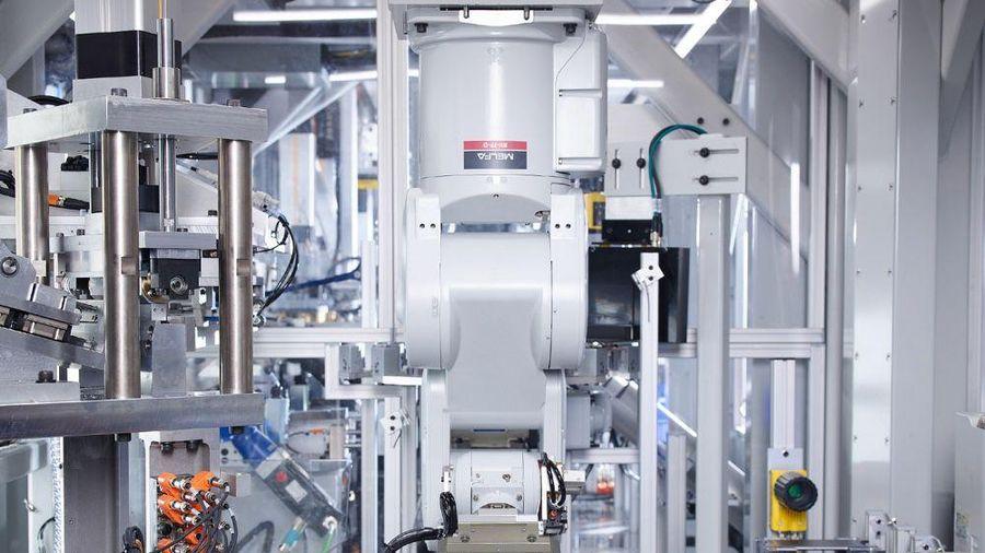 Tốn hàng triệu USD, Apple tạo ra chuỗi robot thua xa công nhân