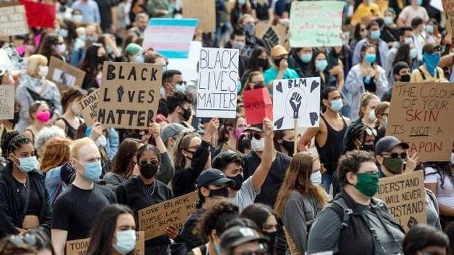 Làn sóng tuần hành chống phân biệt chủng tộc