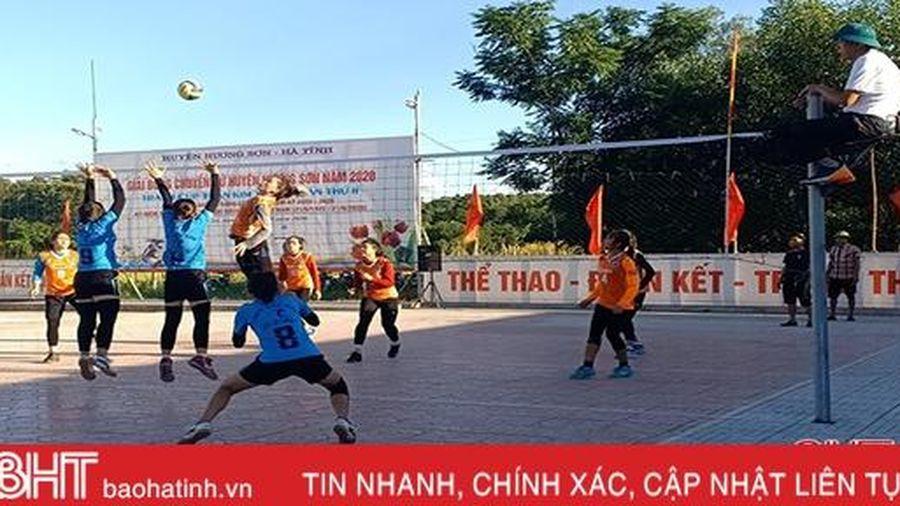 Khởi tranh giải bóng chuyền nữ Hương Sơn tranh cúp Trần Kim Xuyến lần 2