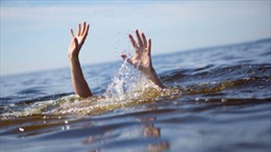 Tắm sông Bôi, nữ sinh lớp 9 bị đuối nước thương tâm