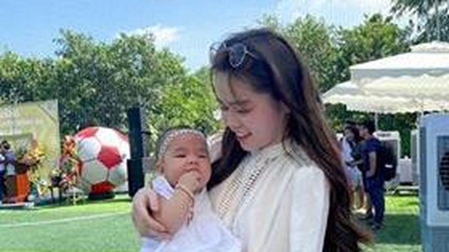 Người hâm mộ nói gì về Huỳnh Anh sau sự cố lộ tin nhắn của Quang Hải