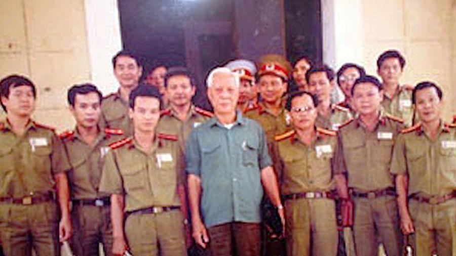 Đại tá Ba Tung, lẫy lừng trang viết, bi kịch trang đời