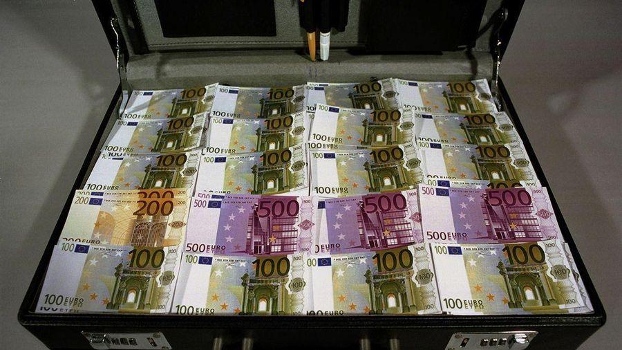 Những valy tiền bẩn được chặn đứng trên đường vào châu Âu