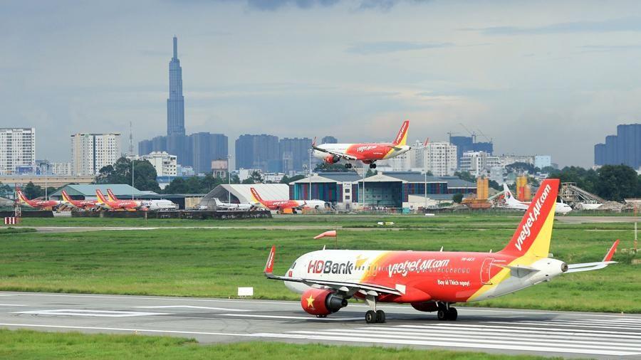Lăng mạ nhân viên hàng không, nam hành khách 'ăn phạt'