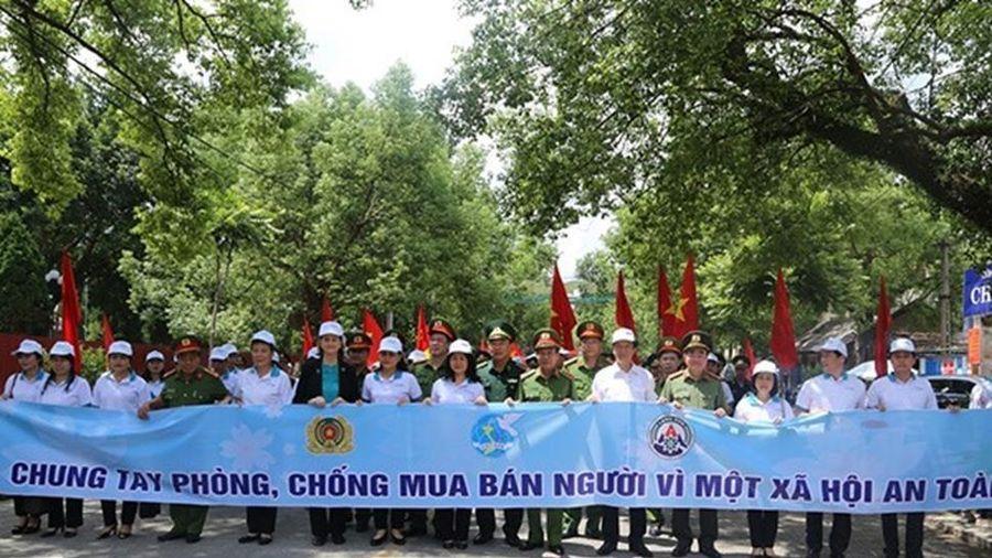 Việt Nam kiên quyết đấu tranh, phòng chống di cư trái phép, mua bán người