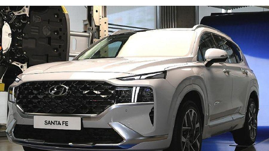 Hyundai SantaFe 2021 mới chỉ từ 622 triệu đồng tại Hàn Quốc