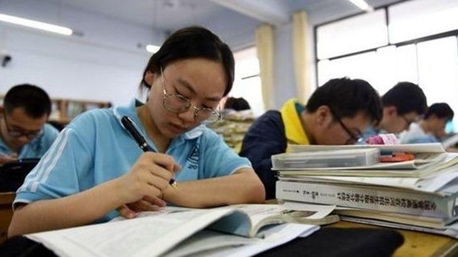 Trung Quốc: Dùng biện pháp nghiêm khắc nhất để ngăn gian lận trong kỳ thi ĐH
