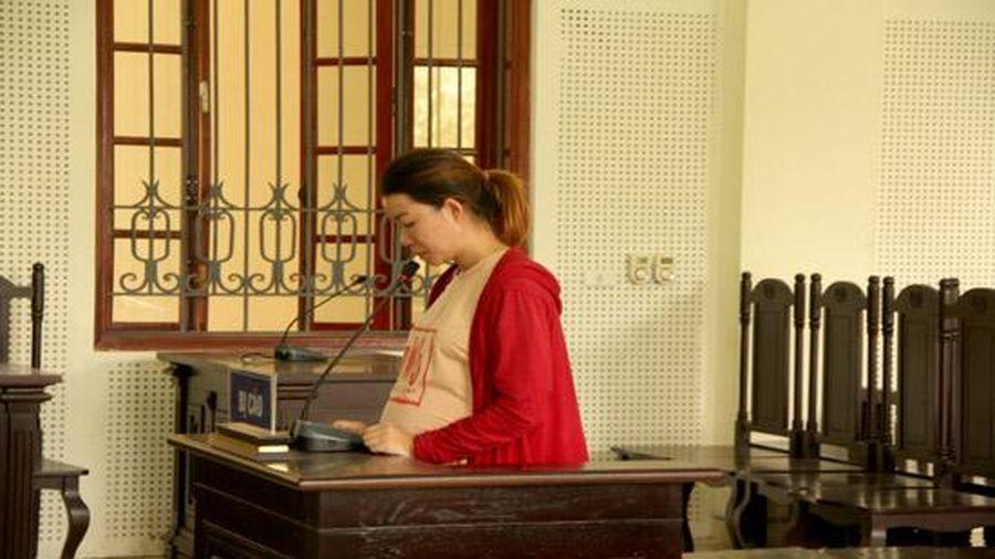Thai phụ tổ chức cho người khác trốn đi nước ngoài