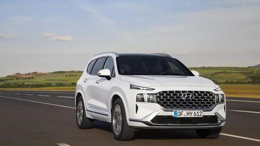 Lộ diện Hyundai Santa Fe 2021, hai phiên bản động cơ hybrid, bán ra từ tháng Chín