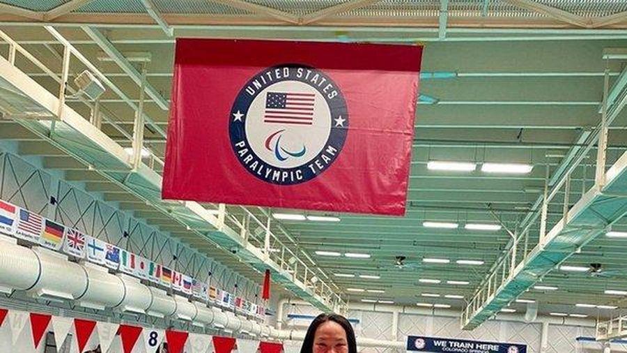 Khâm phục cô gái gốc Việt mất 2 chân trở thành vận động viên bơi lội