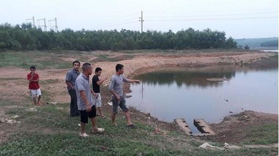 Nhảy xuống hồ cứu bé gái, hai học sinh đuối nước thương tâm