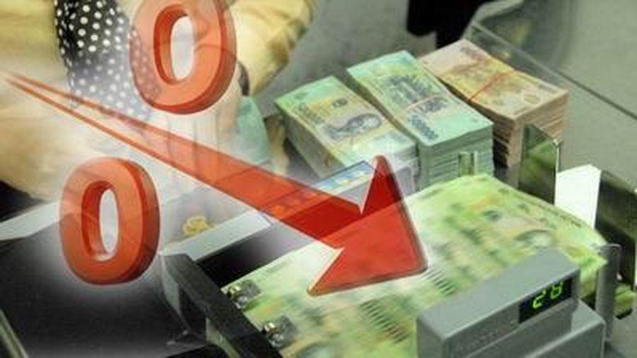 Nhiều ngân hàng tiếp tục giảm lãi suất cho vay, hỗ trợ doanh nghiệp