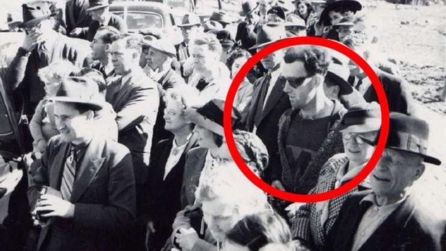 Bí ẩn hóc búa bức ảnh chụp người đàn ông 'đến từ tương lai'