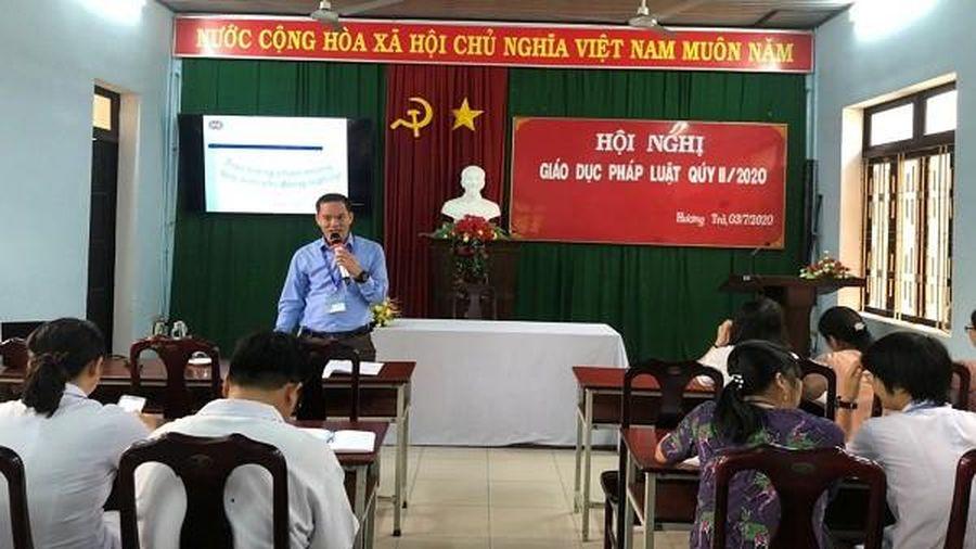 Trung tâm Y tế Hương Trà tổ chức Hội nghị 'Giáo dục Pháp luật' cho cán bộ, nhân viên trong toàn cơ quan