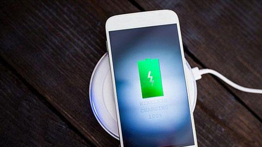 CLIP: Cách kiểm tra khi iPhone không thể sạc pin