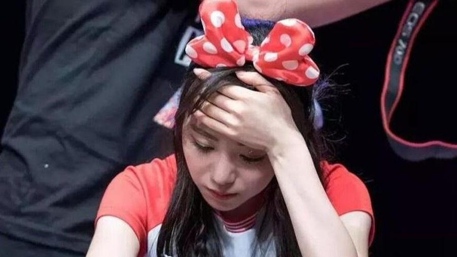 Bằng chứng Mina (AOA) bị đồng nghiệp bắt nạt ngay trước ống kính