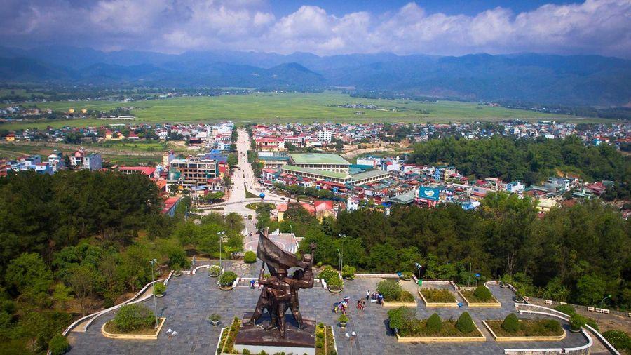 Lên Điện Biên - tìm về lịch sử