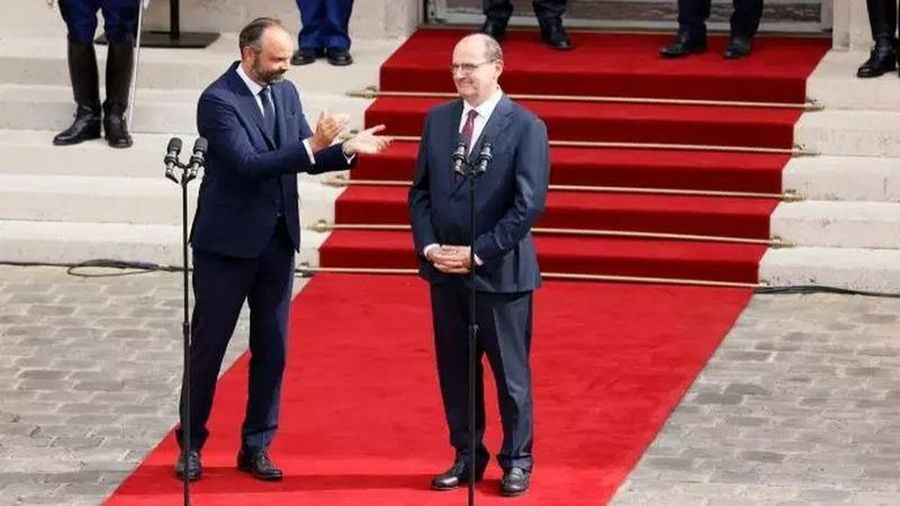 Tân Thủ tướng Pháp nhận chuyển giao quyền lực