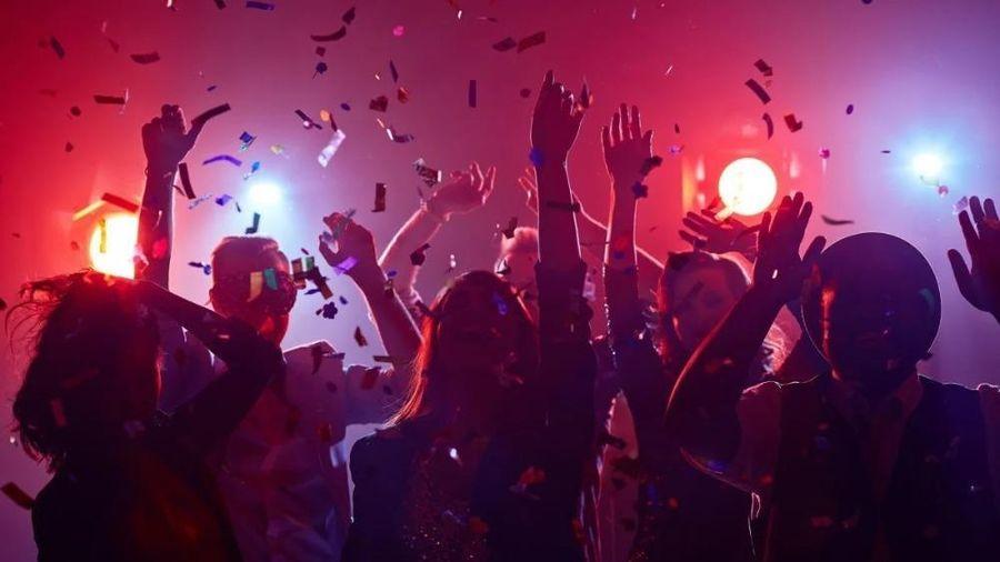 Những 'bữa tiệc COVID-19' kì quái ở Mỹ
