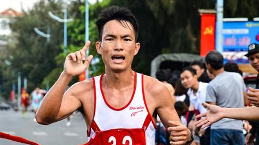 Tiền Phong Marathon 2020: 'Vua leo núi' Hoàng Nguyên Thanh trở lại