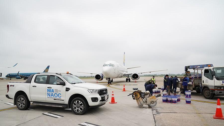 Phạt 25 triệu đồng nhân viên đơn vị thi công sửa sân bay Nội Bài