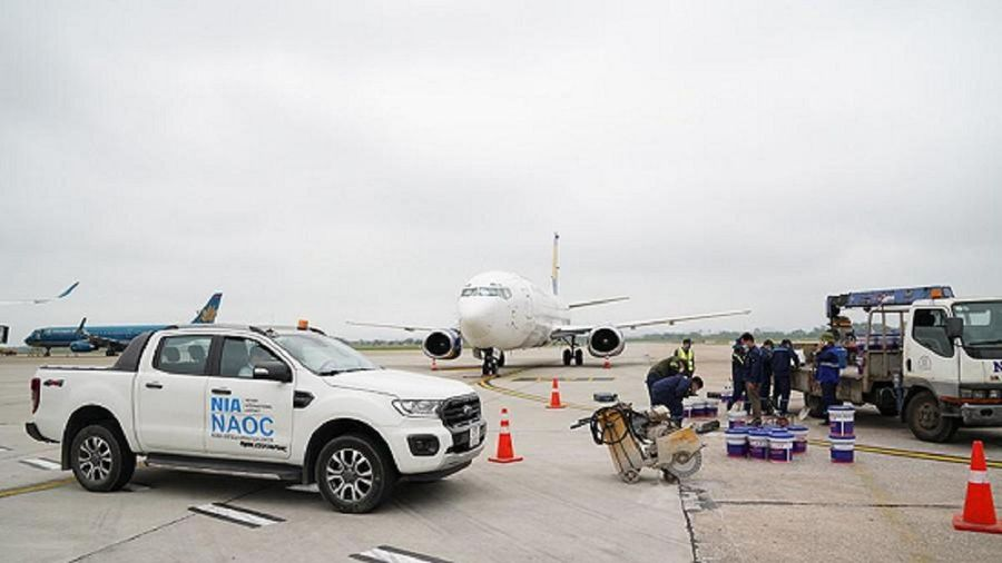 Cán bộ giám sát thi công đường băng Nội Bài bị xử phạt 25 triệu đồng