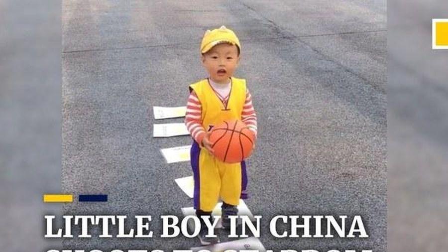 Hơn 2 tuổi đã trở thành 'thần đồng' bóng rổ