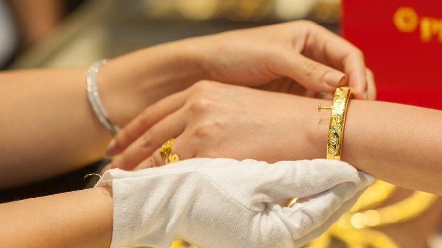 Giá vàng trong nước biến động sát ngưỡng 50 triệu đồng/lượng