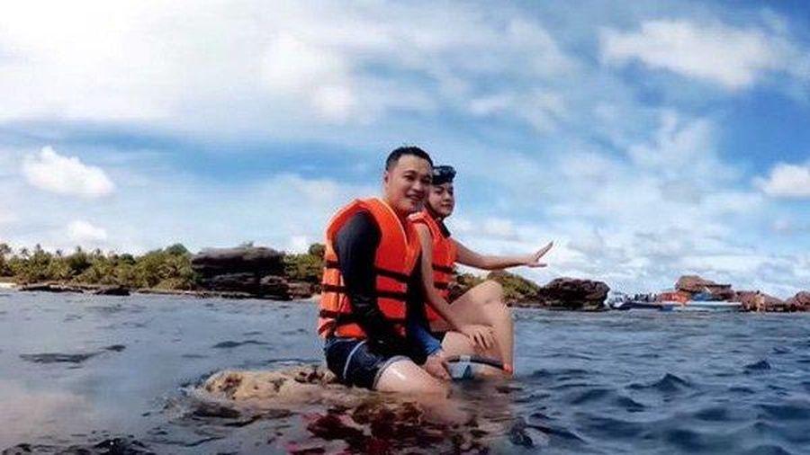 Sau Quang Vinh đến lượt Phạm Quỳnh Anh nhận lỗi sau khi bị chỉ trích vì ngồi lên san hô ở Phú Quốc