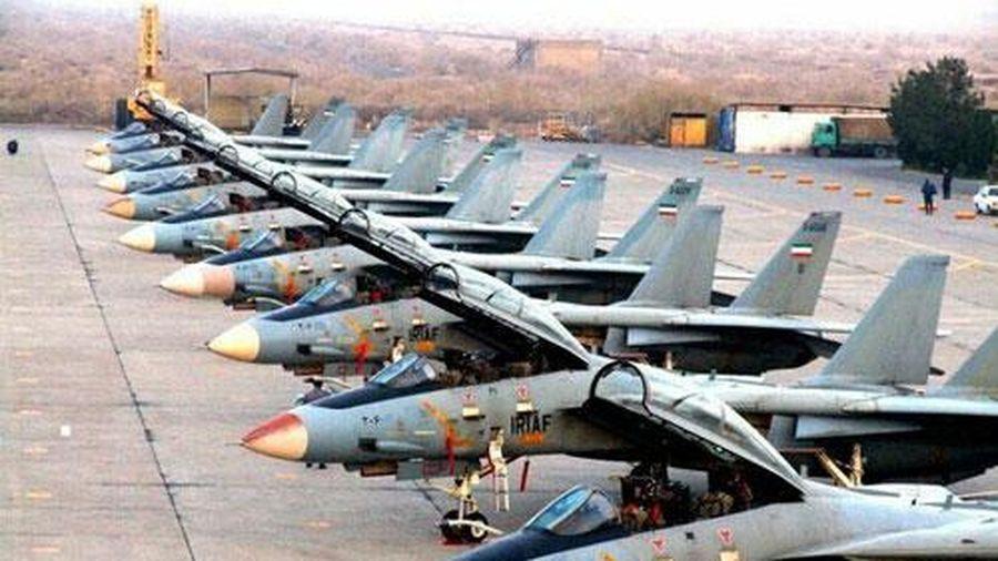 Mỹ 'giật mình' trước viễn cảnh Iran mua hàng chục tiêm kích Su-30SM và J-10 tối tân