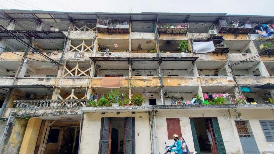 Sống trong khu nhà chờ sập, hơn 200 cư dân nhà A7, tập thể Tân Mai tiếp tục kêu cứu