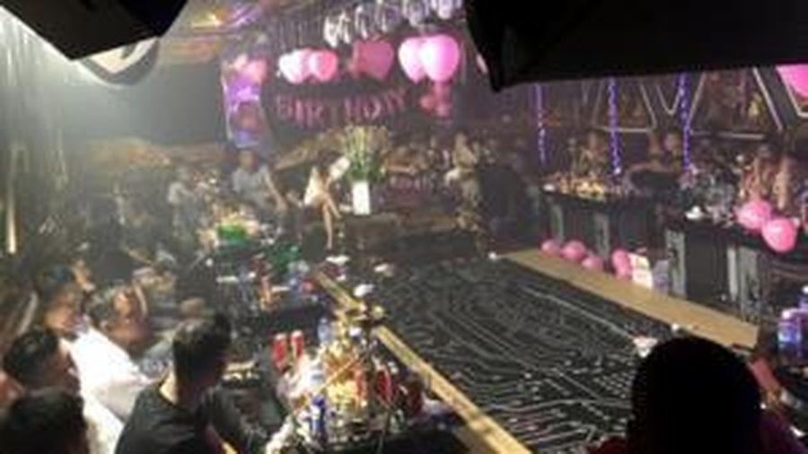 87 người dương tính với ma túy trong 2 quán karaoke ở Sài lúc rạng sáng